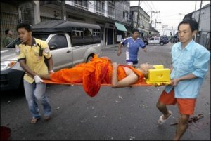 Buddhist monk injured in Thailand after an Islamic attack